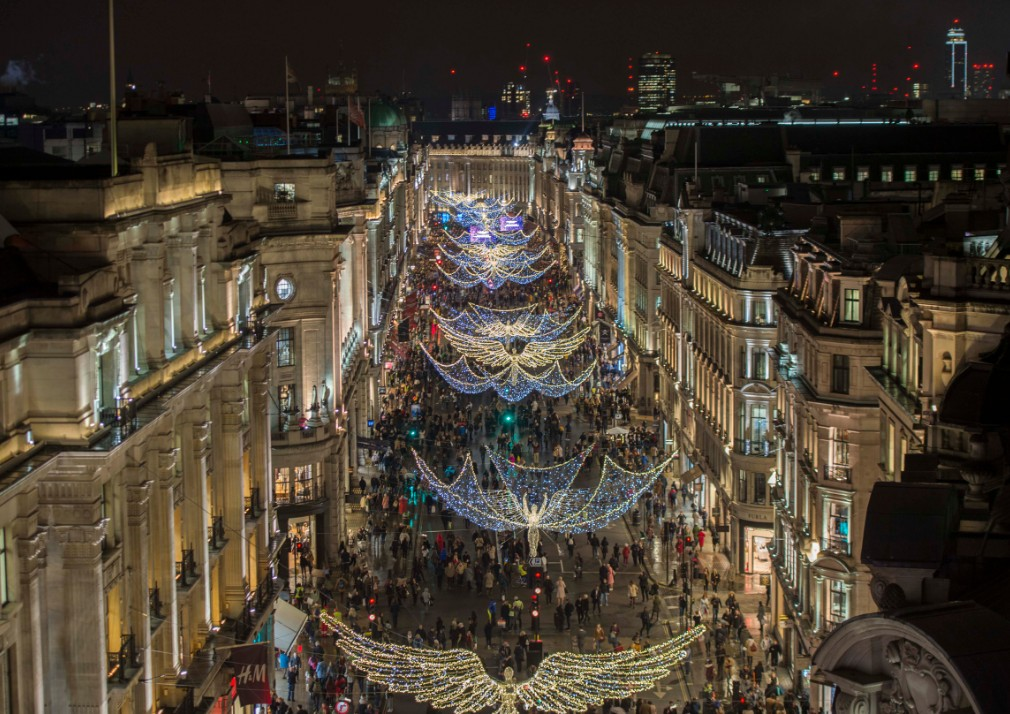 'The Spirit of Christmas' Lights Switch On Returns to ...